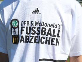 16_DFB_Sportabzeichen_TUS_12_06_02 001